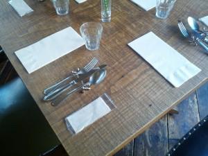 7年経つテーブル